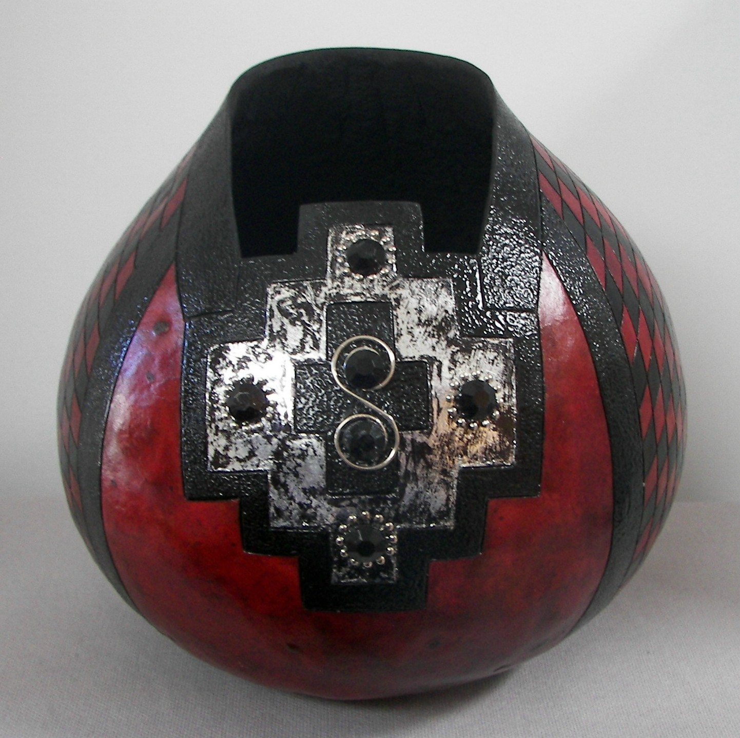 Gourd-Cherry-Red-with-Silver-Tape-3-25-16