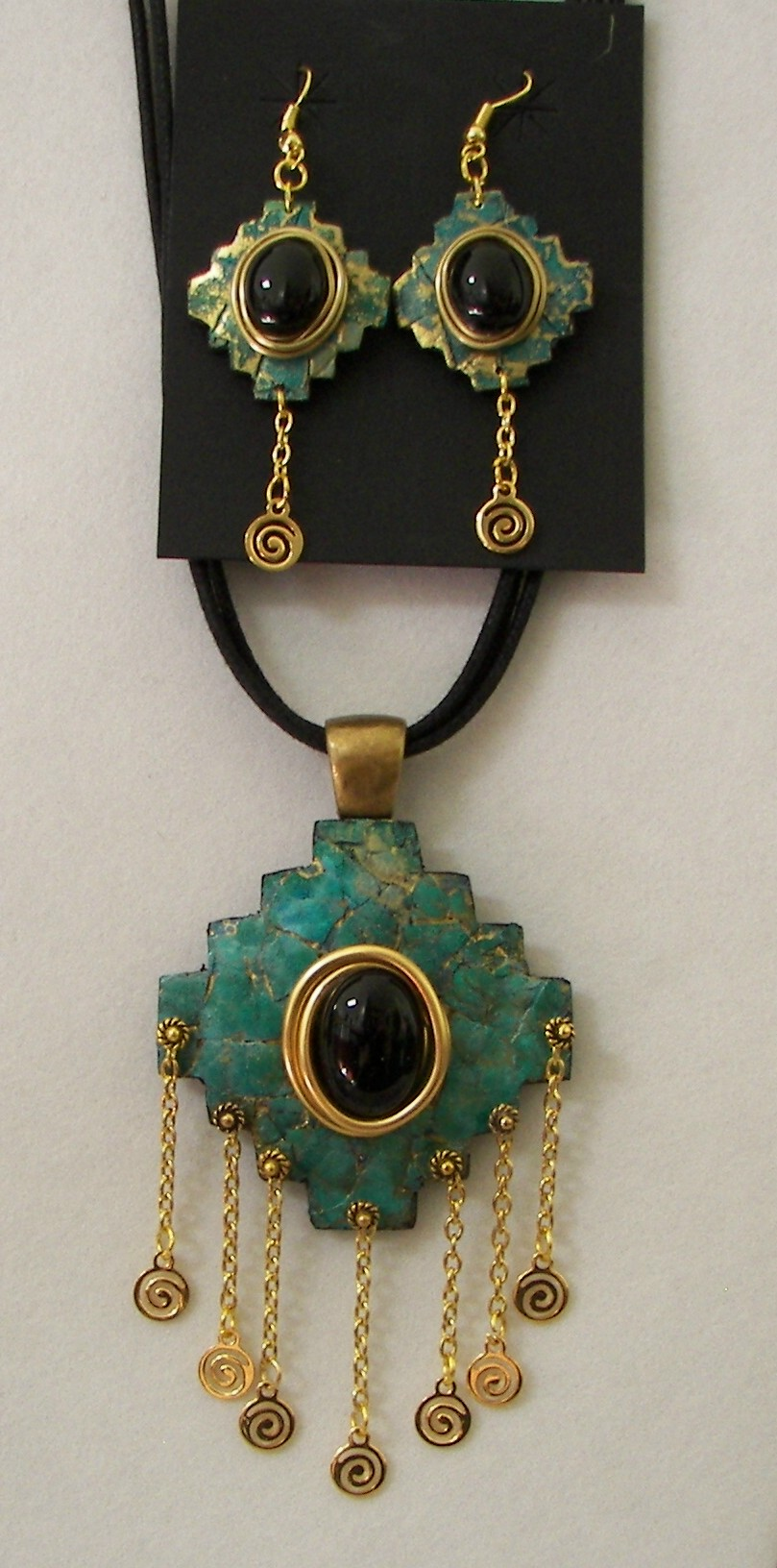Gourd-Jewelry-Pendant-Earring-Finished