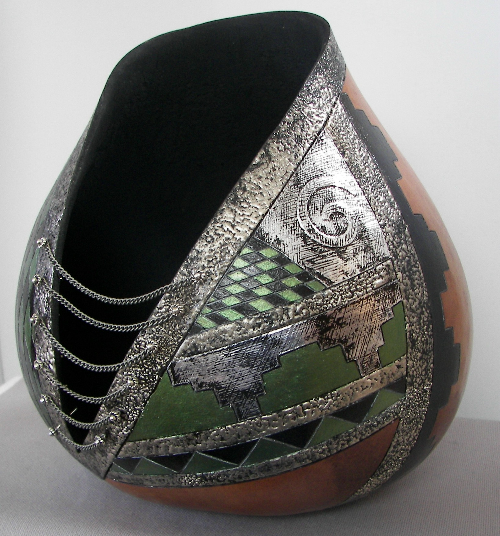 Gourd-with-Silver-Tape-and-Olive-Green-side-2