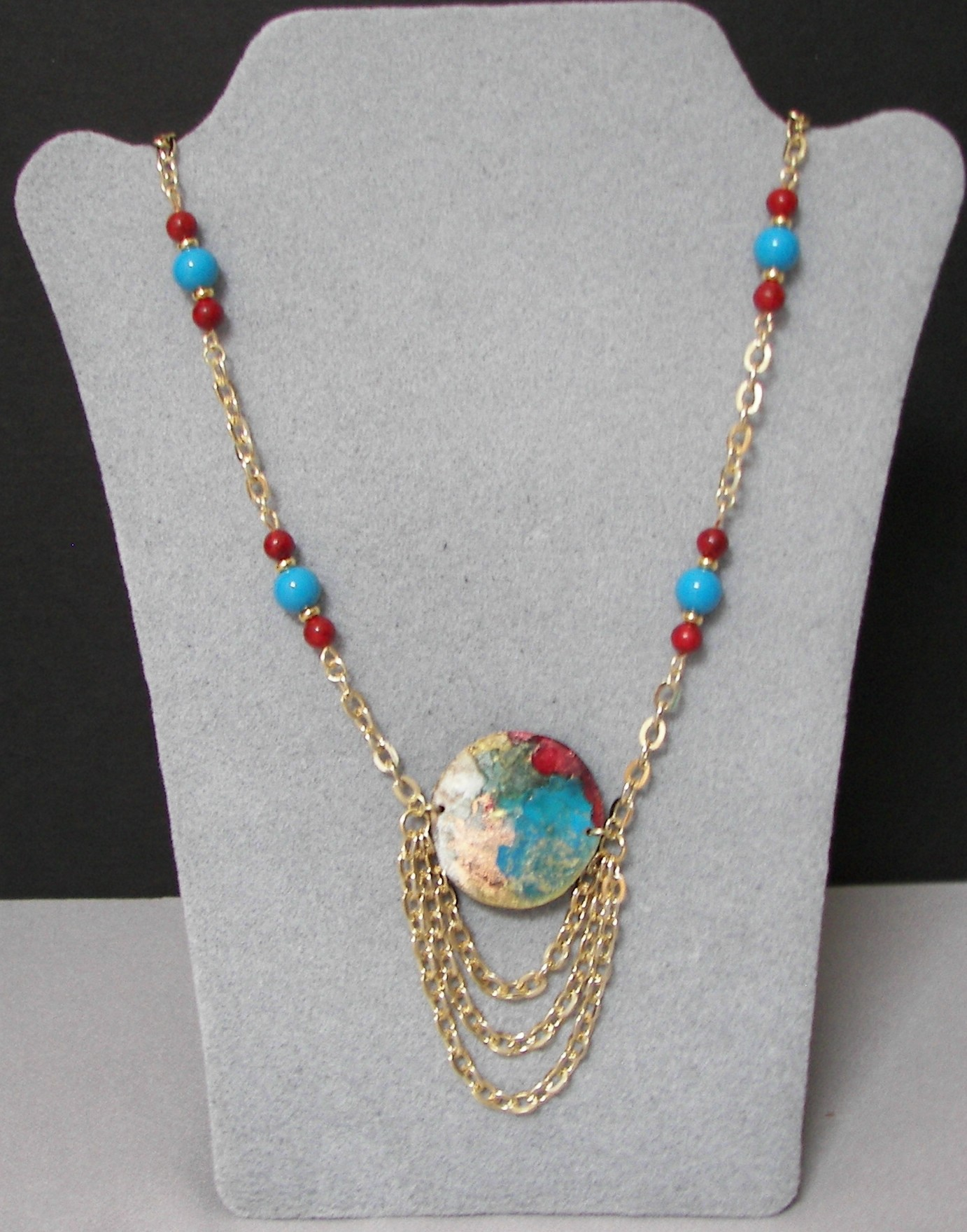 alcohol-ink-necklace-round-red-and-blue-beads